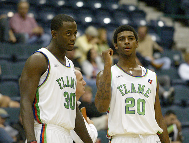Barron and Wright, former Warriors, both spent time in the D-League, even suiting up together in the 2005-06 season for the Florida Flame.