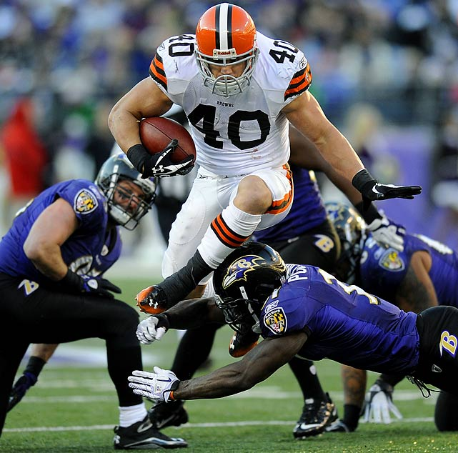 Hillis, 26, was expected to continue to break out in 2011 after his strong 2010 campaign (270 rushes for 1,177 yards and 11 touchdowns), but battled injuries all season long and only appeared in 10 games for Cleveland, rushing for just 587 yards and three touchdowns.  Hillis reportedly signed a one-year $3 million deal with the Chiefs.