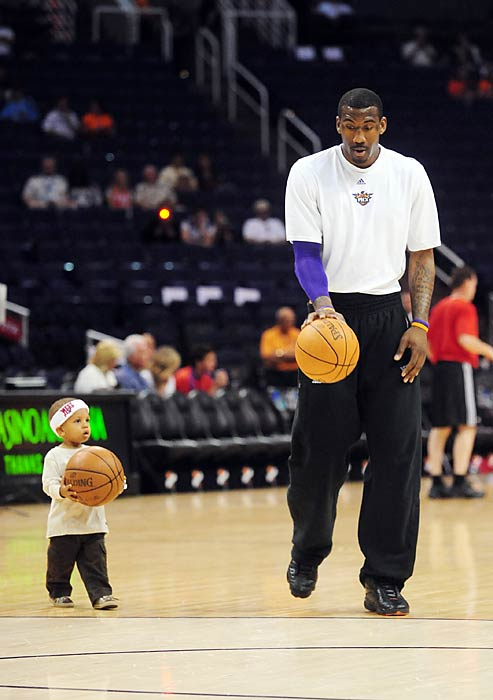 Stoudemire and his son, in the cutest pregame warmup. Possibly ever.