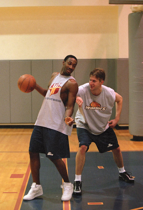 A friendly workout with Warriors big man Murphy.