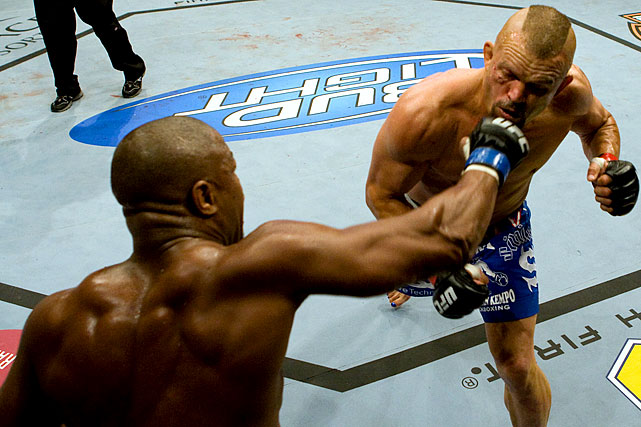 Evans earns a shot at the UFC light heavyweight title with a one-punch knockout of Liddell.