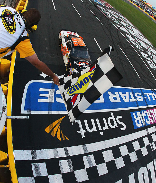 Dale Earnhardt Jr. led all 40 laps and won the Sprint Showdown to earn a spot in the All-Star race. Pole-sitter A.J. Allmendinger and Bobby Labonte  earned the other two spots.(