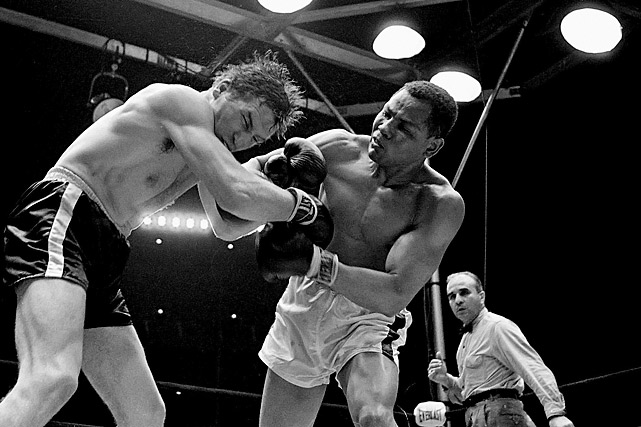 A silver medalist at the 1956 Olympics in Melbourne, Torres won the undisputed light heavyweight title and defended it four times before losing back-to-back fights with Dick Tiger late in his career.