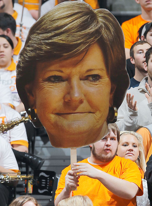 Tennessee fans pay tribute to Pat Summitt during a January game against arch rival UConn.