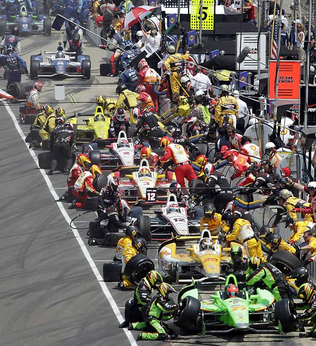 The race was run under sweltering heat, which made things tough for pit crews.