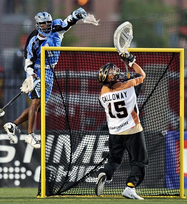 The Ohio Machine's Chazz Woodson leaps and scores a jaw-dropping goal from behind the net against the Rochester Rattlers.