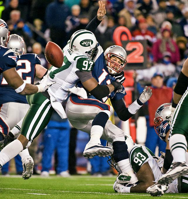 The Patriots closed the regular season on an eight-game winning streak,  including a 45-3 rout of the Jets on Monday Night Football. But Rex Ryan  kept alive his preseason promise of a Super Bowl for one more week when  his Jets dominated the Patriots at the line of scrimmage. Tom Brady was  sacked five times, and New England's high-powered offense was held  under 30 points for the first time in more than two months in a 28-21  loss. The Jets fell the following week to Pittsburgh.