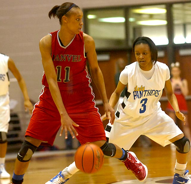 One of the top prospects in the Class of 2014, Turner is a 6-3, explosive forward possessing a fantastic combination of size and athleticism. In March she was named to the U-17 USA World Championship Team, the only player from the Class of 2014 to make the cut. While she hasn't completely developed an outside game, she's averaged more than 20 points and 10 rebounds per game at Manvel High. On the defensive end, Turner is a force. Last season she averaged 4.7 blocks per game, including one game in which she finished with 15 blocks. She turned 16 on July 5.