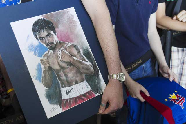 Many fans brought posters, artwork and apparel to the fighters' arrivals, which were open to the public.