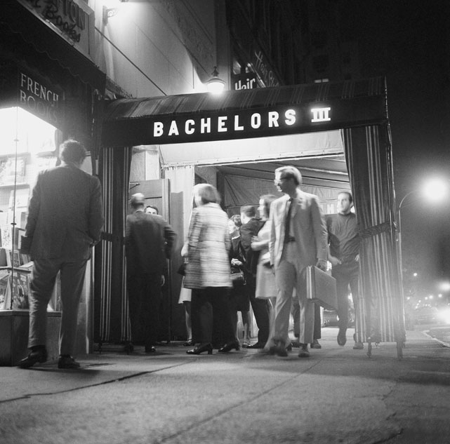 Namath owned a stake in the Manhattan night club Bachelors III, but then-commissioner Pete Rozelle, citing restrictions in Namath's contract, ordered him to sell his share after discovering the presence of alleged Mafia members at the club. Namath called the commissioner's bluff, suddenly retiring, rather than being pushed around. Rozelle and Namath eventually met and came to an agreement that Namath could maintain ownership in two other clubs by the same name in Miami and Boston, but had to sell his stake in the New York location. Namath rescinded his retirement after just two weeks.