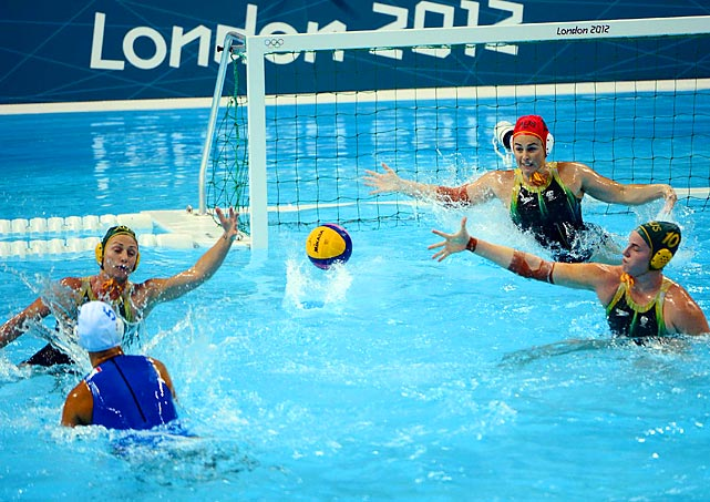 The Women's Australian Water Polo team maintains its offensive prowess against Italy on Monday, defeating the Women's Italian team 10-8.