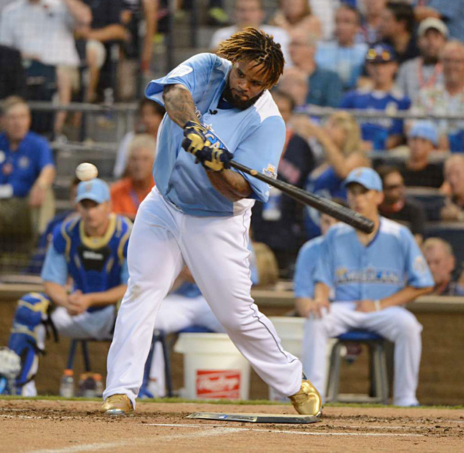 Fielder, who also won the Derby in St. Louis in 2009, capped his night with a 12-homer final round, tying the record set by Cano last year.