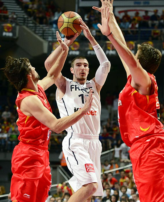 Like the Brazilian Tiago Splitter, De Colo is a San Antonio draft pick that deferred his chance to play in the NBA to hone his skills over several years in Europe. After three successful years at Valencia in Spain, De Colo agreed to a two-year contract with the Spurs in July. For the French, De Colo may be Tony Parker's top outside shooting threat.