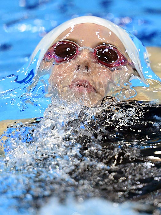Coming off a bronze medal in the 100m butterfly the night before, Australia's Alicia Coutts posted the fifth fastest time in a women's 200m individual medley qualifier to reach the semi-finals.
