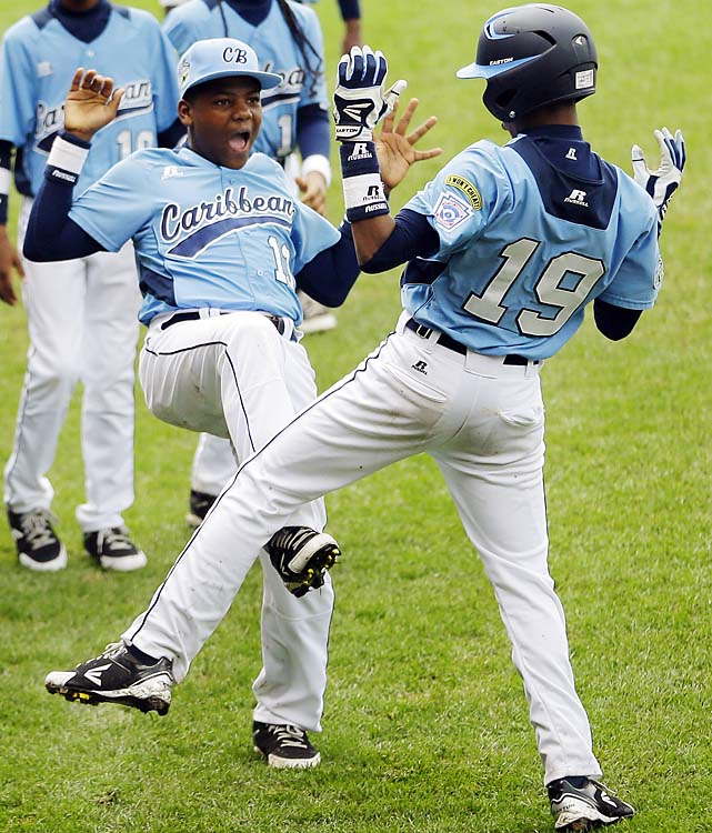 The Caribbean champions rallied with three runs in the fifth inning to eliminate Canada. Christopher Koeiman drove in two runs with a sacrifice fly. Mychellon Jansen's solo home run put Curacao ahead. Canada exits with a win over formidable Mexico to its credit.
