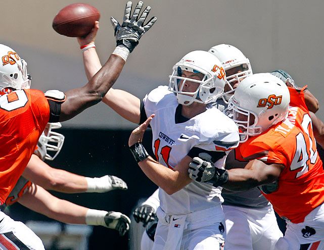 No true freshman has started at quarterback for Oklahoma State since Tone Jones in 1993, but that will all end as coach Mike Gundy named Lunt, the Cowboys starter for the Sept. 1 opener vs. Savannah State. Lunt, a 6-foot-4, 214-pounder, enrolled early out of Rochester (Ill.), where he threw for 3,650 yards, 31 touchdowns and four interceptions last season.