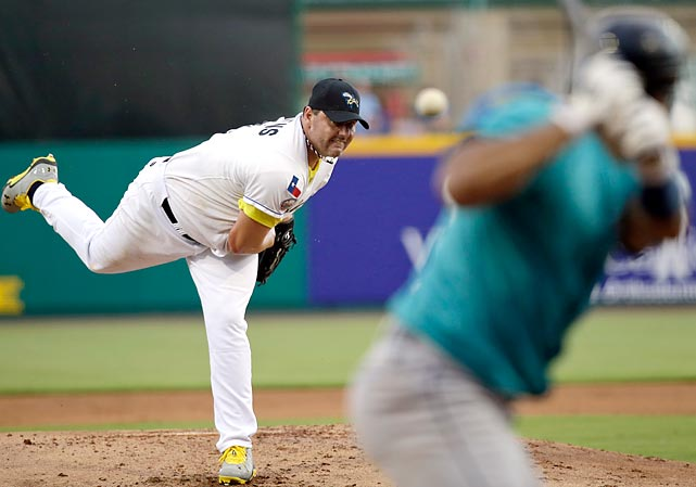 Roger Clemens, left, throws a pitch for the Sugar Land Skeeters. The 50-year-old signed with the Skeeters of the independent Atlantic League last week.
