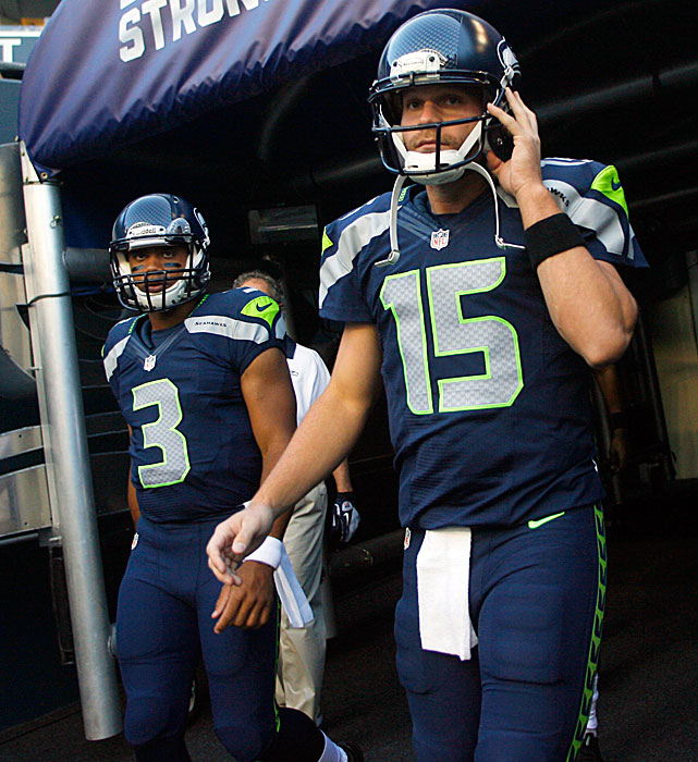 The quarterback battle in Seattle could get interesting. Matt Flynn, the former Packers' backup who signed a big offseason deal, played the first half and was 11 of 13 for 71 yards. He also threw an interception and was sacked twice. Meanwhile, rookie Russell Wilson went 12 for 16 with 124 yards, a pick and a touchdown. He also ran for 59 yards and a score.