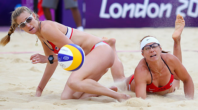Kerri Walsh Jennings and Misty May-Treanor of the United States dug out a victory over their Chinese counterparts to advance to the gold-medal match.
