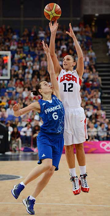 Diana Taurasi helped the U.S. women their fifth consecutive Olympic gold medal by scoring nine points and dishing out six assists in an 86-50 demolition of France.