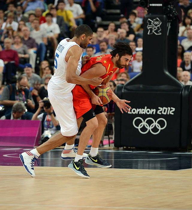 Nicolas Batum of France went out of his way to punch Spain's Juan Carlos Navarro in the groin area during a quarterfinals game.