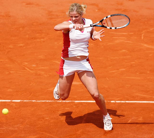 Clijsters won three WTA titles in 2006 and reached the semifinals of all three majors she played. She lost to Justine Henin at Wimbledon and Roland Garros but withdrew from the U.S. Open with a wrist injury.