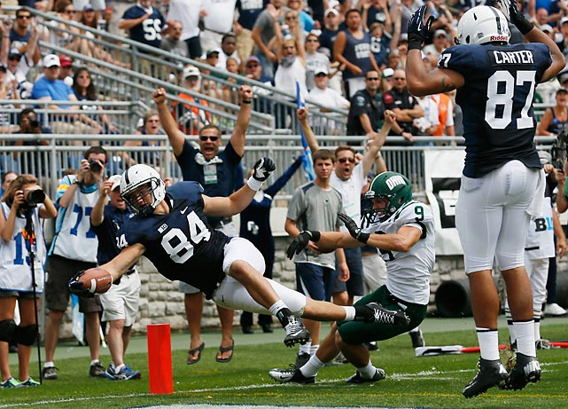 Matt Lehman scores a second-quarter touchdown to give Penn State the lead against Ohio.