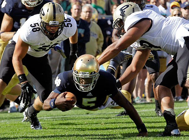 Notre Dame once held a 17-7 lead against Purdue, but the Irish required a last-second field goal to clinch a 20-17 victory in Week 2. Everett Golson (pictured) led Notre Dame with 289 passing yards and a touchdown, while Tyler Eifert paced the pass-catchers with four receptions for 98 yards. Tommy Rees orchestrated the Irish's final drive, which culminated in a 27-yard Kyle Brindza kick.