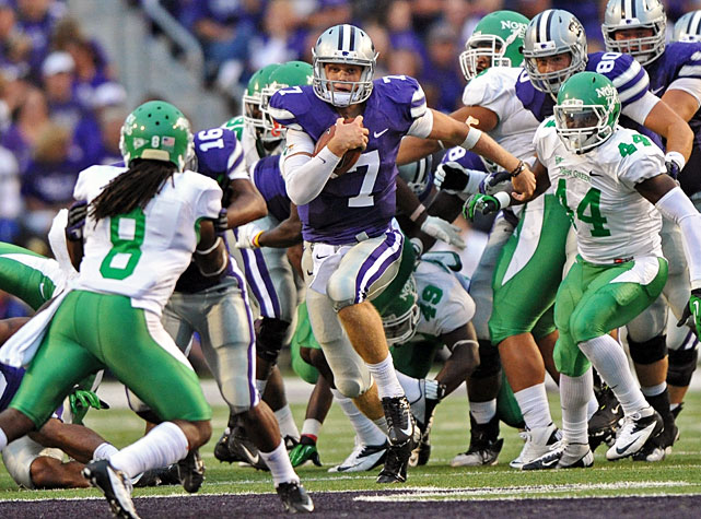 Coming off a dominant performance against Miami, Kansas State overcame a slow start to defeat North Texas in Week 3. Quarterback Collin Klein (pictured) passed for 237 yards, rushed for 85 yards and scored three touchdowns in the Wildcats' win, and wide receiver Tramaine Thompson added 102 yards and two scores. After improving to 3-0, Kansas State will visit Oklahoma in its Big 12 opener next Saturday.
