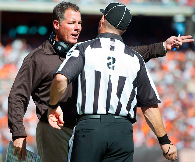 Browns' head coach Pat Shurmur is clearly unhappy with head linesman Kevin Akin in his team's opening game against Philadelphia.