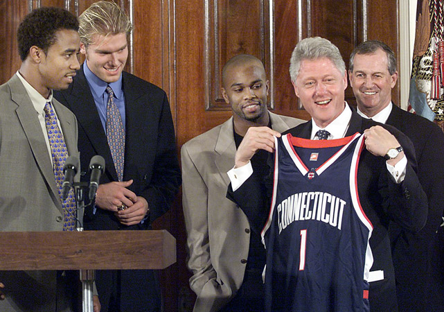 Like all NCAA champs, Calhoun and UConn earned a trip to the White House, where they presented life-long Razorbacks fan President Bill Clinton a Huskies jersey.