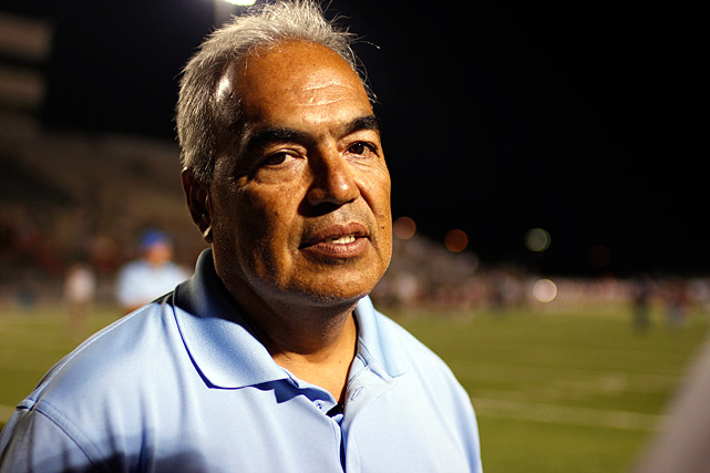 Rodriguez is the head coach of the Borregos; he inherited a program that Frank Gonzalez led for over two decades and to over 200 wins. Rodriguez has been instrumental in getting some of the top Mexican talent to play at Prepa Tec. After two years of untenable travel situations, Rodriguez has assured the Borregos play five games against Texas teams in 2012.