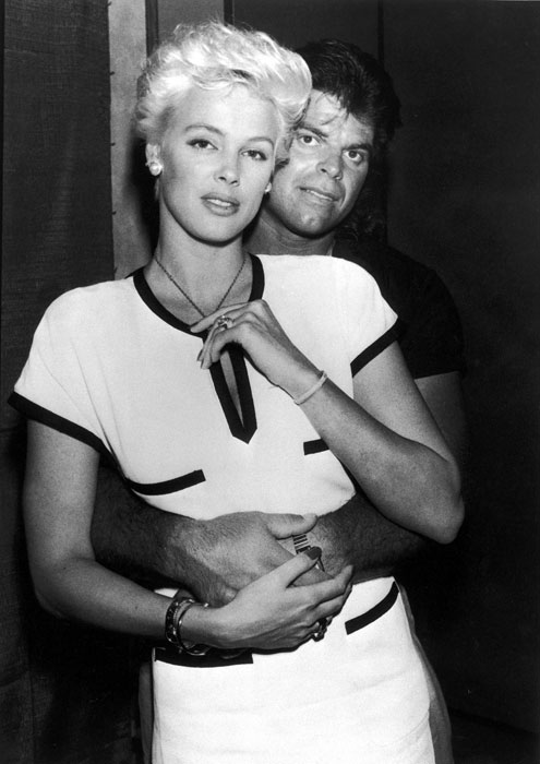 Gastineau famously dated model Actress Brigitte Nielsen during the 1987 season. The two have a son together.
