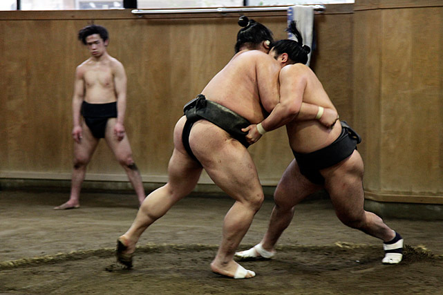 I entered the dojo to find the sumos practicing. It looked interesting so I just started snapping away.