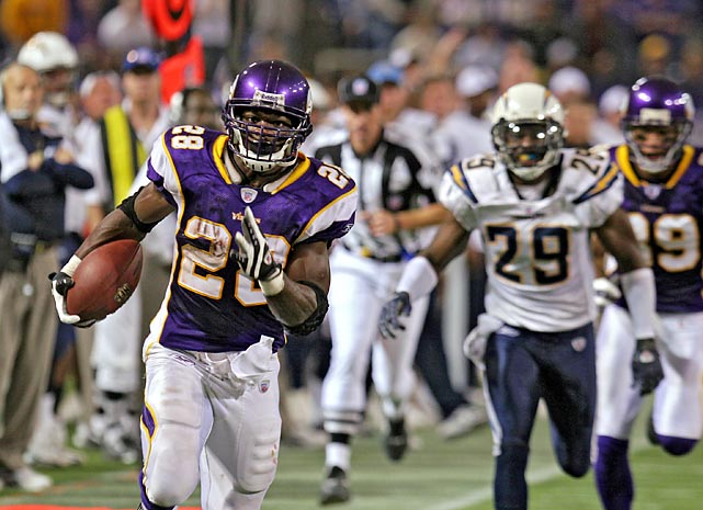 Adrian Peterson scores on runs of 1, 64 and 46 yards en route to an NFL single-game rushing record of 296 yards in a 35-17 win over San Diego. He averages a staggering 9.9 yards per carry for 30 attempts.