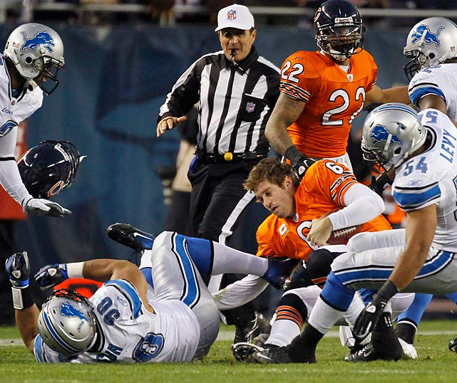 In a November 2011 game, Suh ripped Cutler's helmet off while taking the quarterback down.