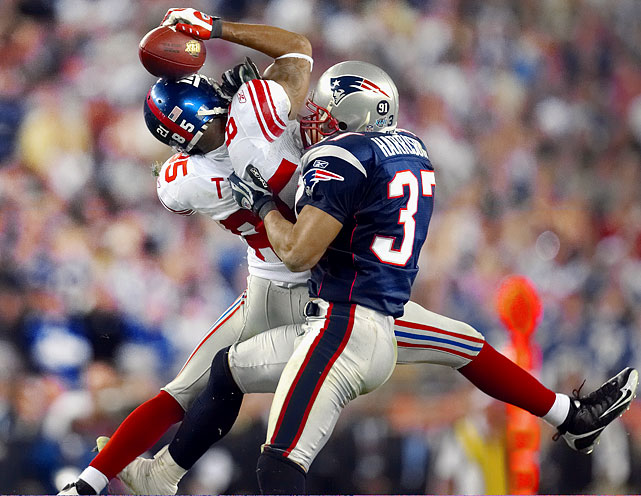 Down 14-10 to the heavily favored (18-0) Patriots in Super Bowl XLII, the Giants stared down third-and-5 from their own 44-yard line with 1:15 remaining in the game. In what has become arguably the greatest, or at least the unlikeliest, play in Super Bowl history, Eli Manning improbably escaped three would-be tacklers to get off a pass, and David Tyree secured it with one hand against his helmet. Manning hit Plaxico Burress in the end zone four plays later and New York defeated the perfect Pats 17-10.