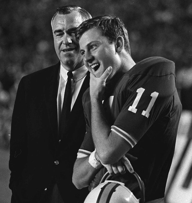 As the Packers tried to defend their title, the 49ers welcomed rookie quarterback Steve Spurrier to the squad. Spurrier had been taken with the third overall pick after a successful career at Florida, where he threw for 4,848 passing yards in three seasons.