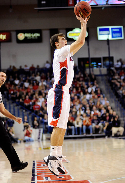 Stats to know: 13.6 ppg, 3.4 apg, 40.1% 3s Expected to be a major weapon for the Zags as a sophomore after a very solid freshman campaign. The Canadian import should lead a very talented team into the NCAAs and maybe a couple rounds deep.