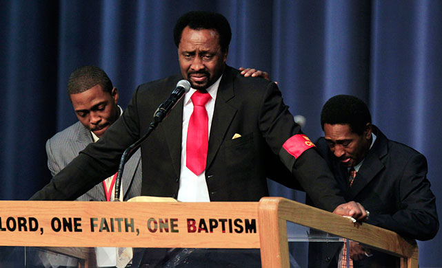 Former five-division champion Thomas Hearns tears up during his remarks at the funeral service for the late boxing trainer Emanuel Steward at the Greater Grace Temple in Detroit on Tuesday.