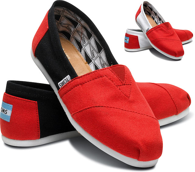 There are countless varieties of Toms shoes out nowadays, but never before has there been a line of Toms that are so perfect for a sports fan. She'll be sure to love these Toms shoes that allow her to rep her alma mater, especially if she's got a hipster side to her. $48 at   toms.com