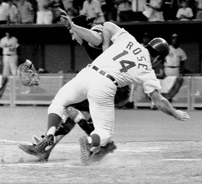In a play that came to epitomize the play-to-win attitude of All-Star Games past, Pete Rose scored the winning run in the bottom of the 12th by barreling into catcher Ray Fosse at Riverfront Stadium in Cincinnati.