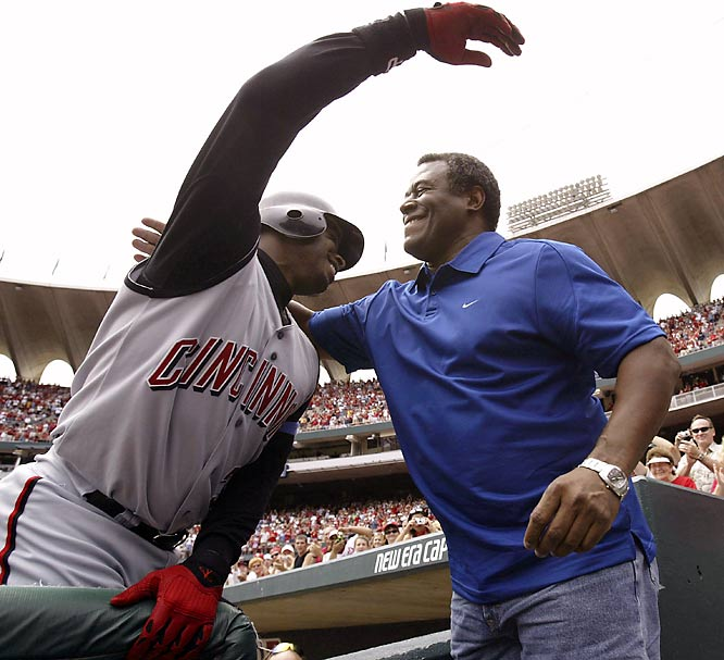Griffey opened the 2004 season healthy. On Father's Day that June, he reached the 500 Home Run club with a blast off the Cardinals in St. Louis, and later shared a hug with his dad.