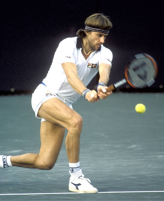 In the championship match, Bjorn Borg beats Jimmy Connors in four sets to win his third of five consecutive Wimbledon titles.