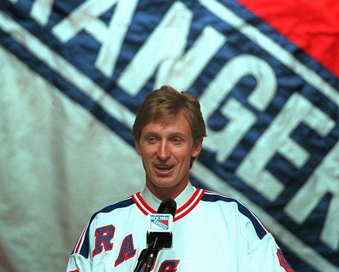 Wayne Gretzky signs a two-year-deal with the New York Rangers.