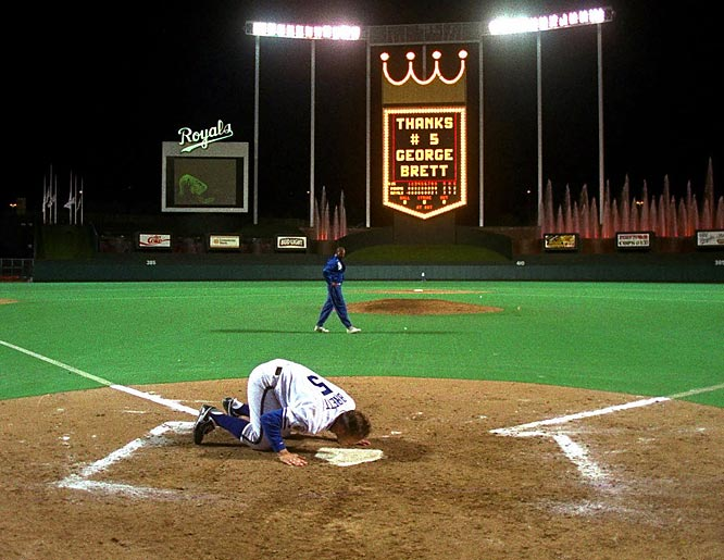 George Brett gets his 1,000th hit. The Royal great would retire with 3,154 career hits.