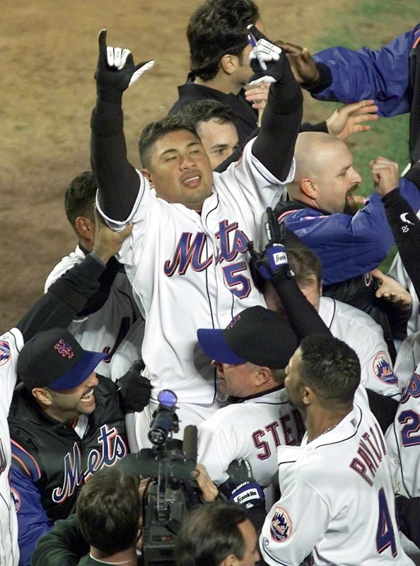 Benny Agbayani's 13th inning home run ends the longest LDS game ever played, 5 hours and 22 minutes. The dramatic round tripper by Mets outfielder gives New York a 3-2 victory and 2-1 series advantage over the Giants.