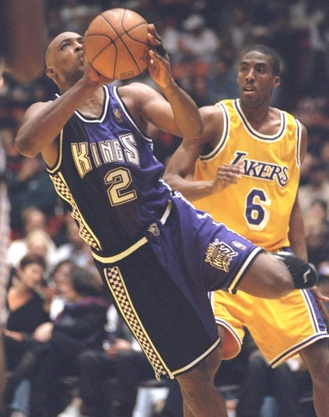 <p>During a 105-85 victory over Golden State, Sacramento's Mitch Richmond scores his 15,000th career point.</p>