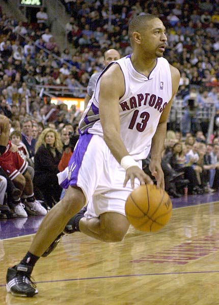 <p>During the Raptors 113-102 win over Golden State, Toronto's Mark Jackson records 12 assists to move past Isiah Thomas and into fourth place on the NBA's all-time assists list.</p>
