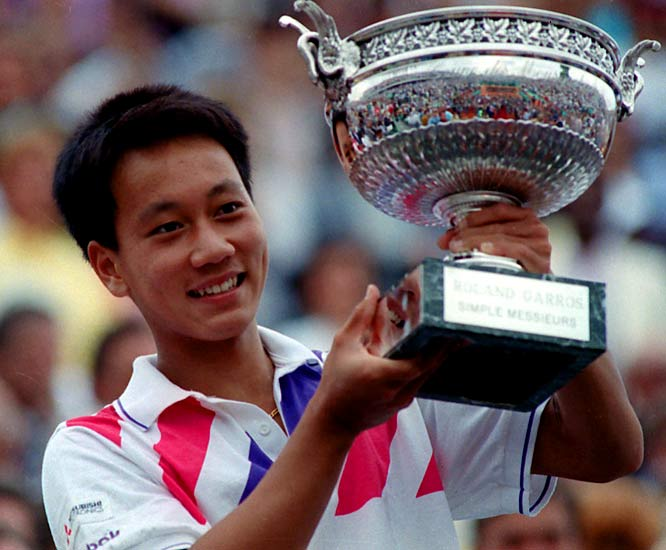 Chang beat Stefan Edberg in the Finals of the 1989 French Open to become the youngest male to win a Grand Slam singles title, it was his epic five-set comeback victory over Ivan Lendl in the fourth round of that tournament that made Chang a household name. The tournament victory also gave Chang the distinction of being the first American male to win the French Open since 1955.